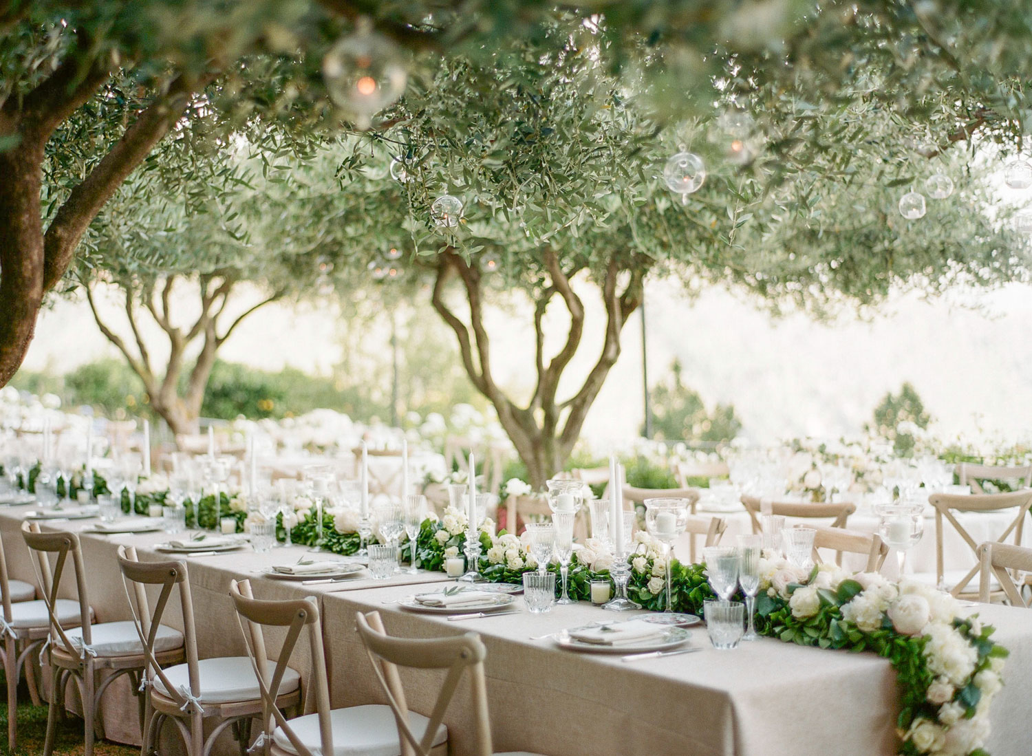 how to plan a seating chart for your wedding