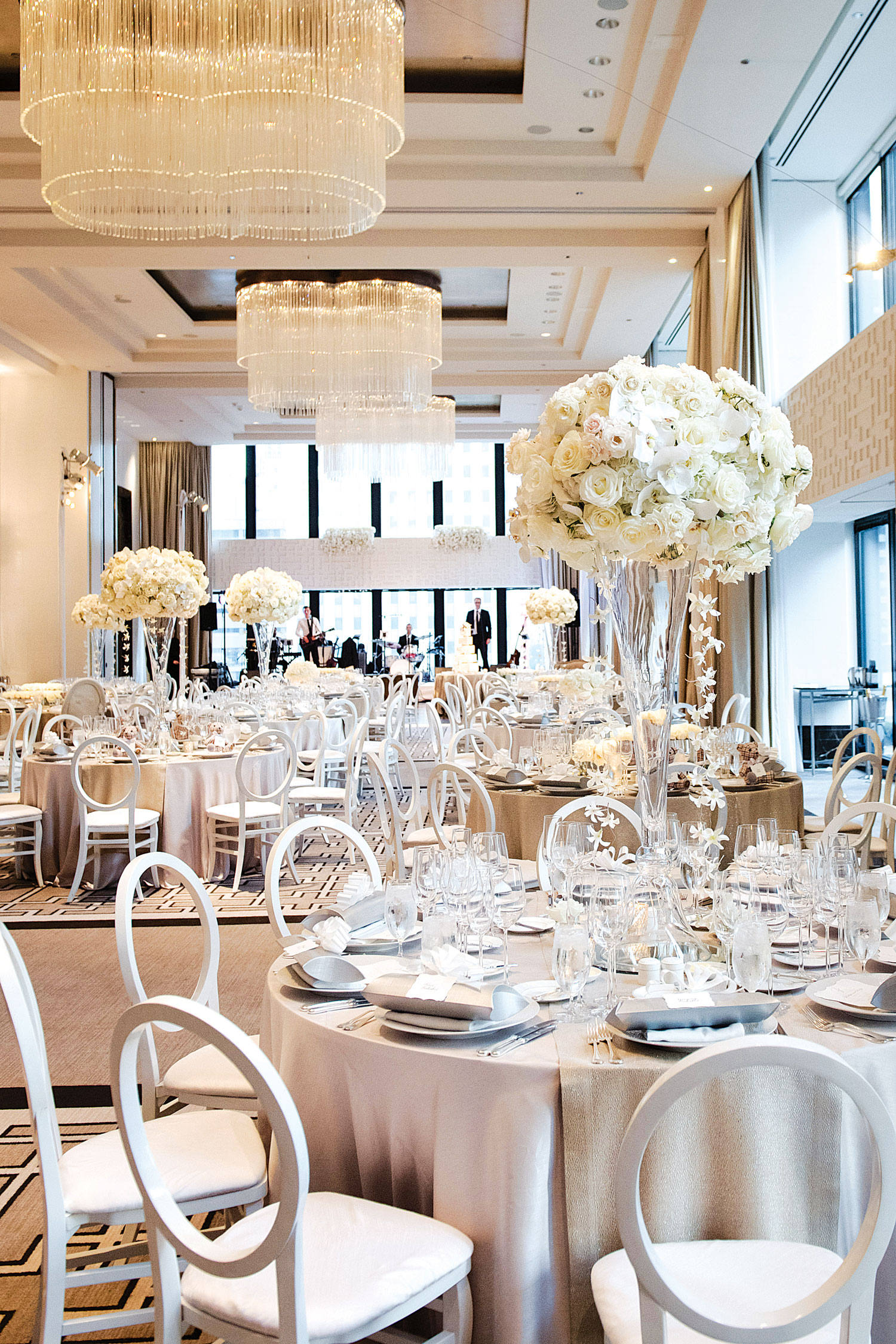 Modern white and black wedding reception table studio this is sqn events Inside Weddings fall 2018 issue