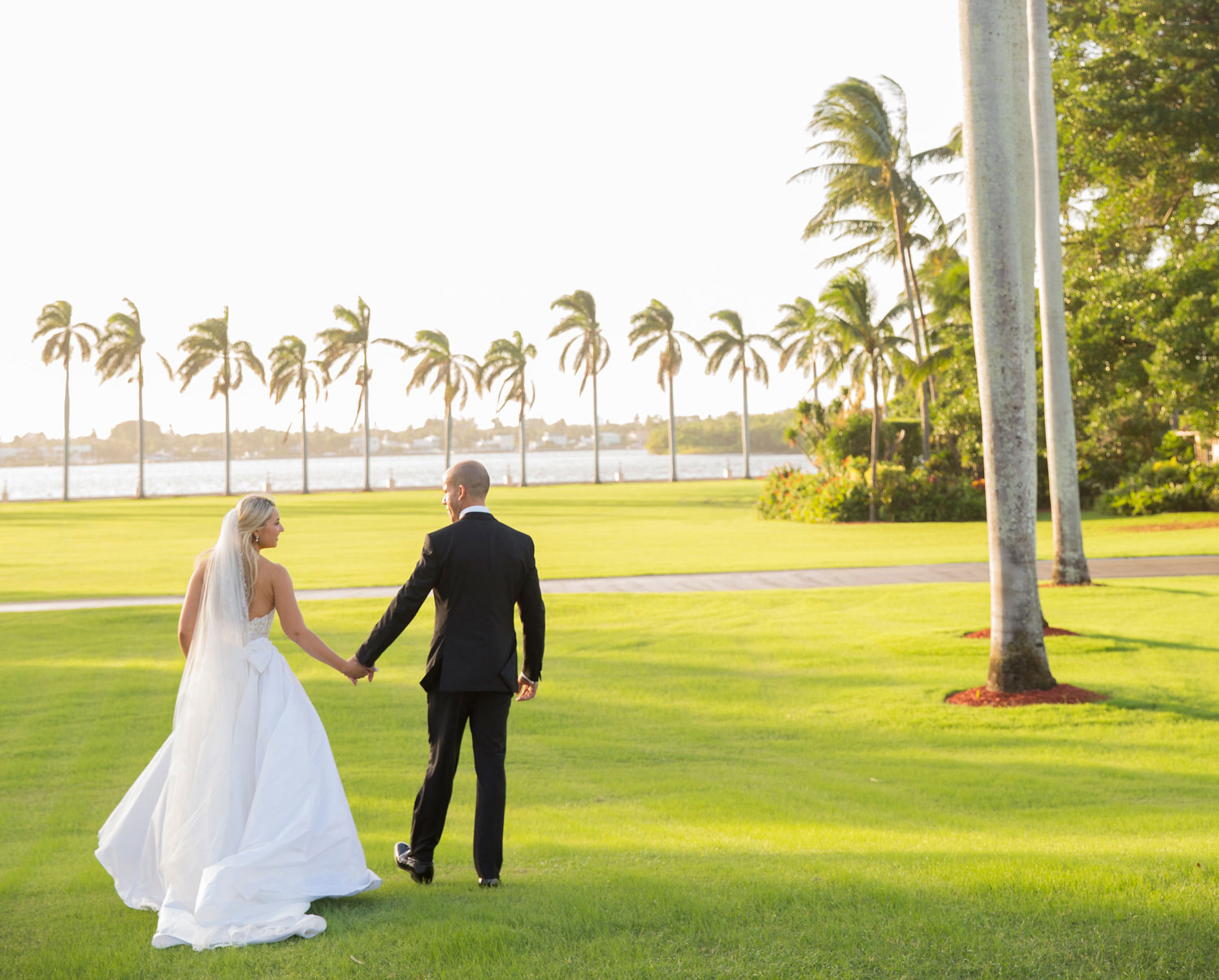 how to start planning a destination wedding