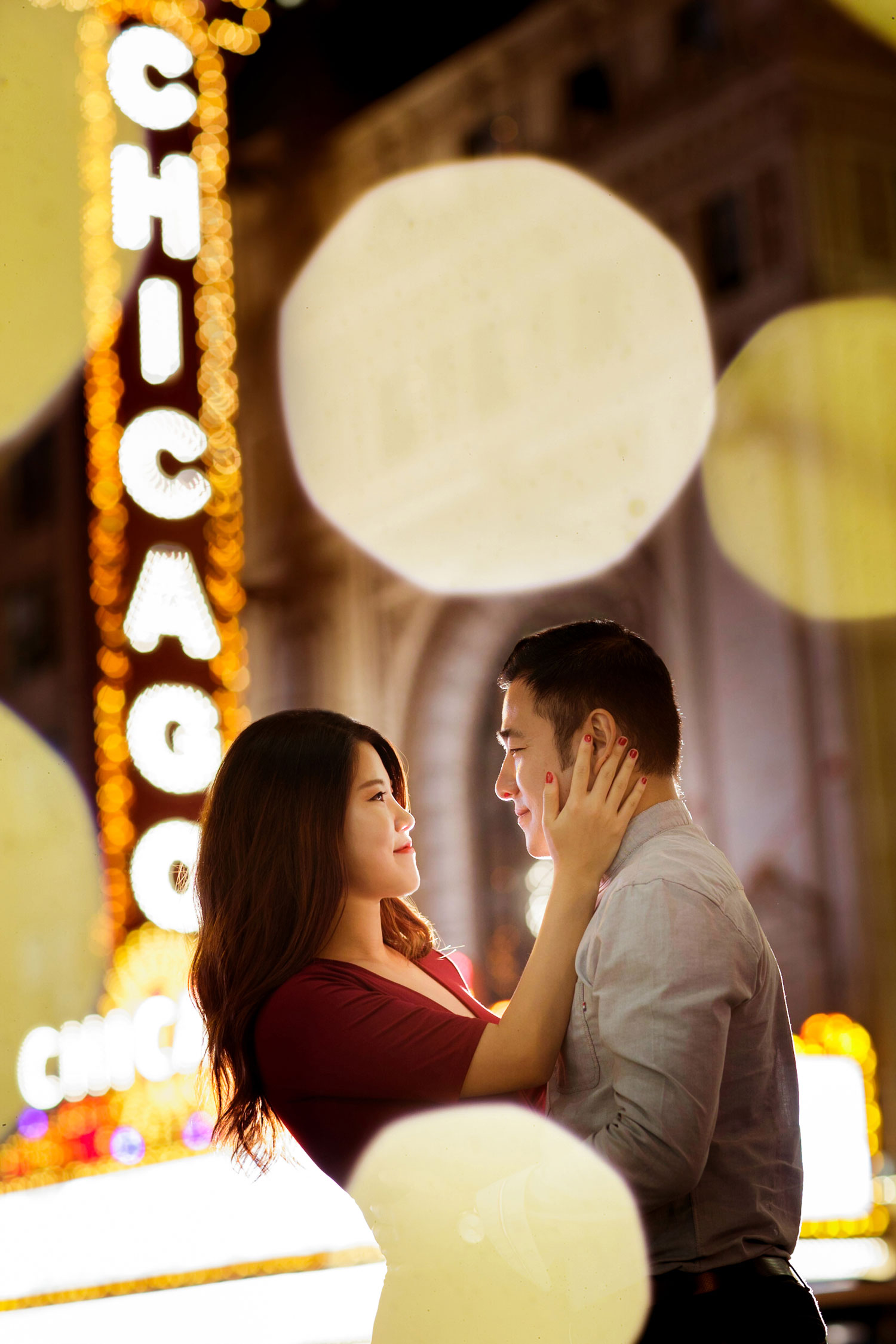 Engagement shoot in Chicago e-session chicago theatre chicago theater portrait