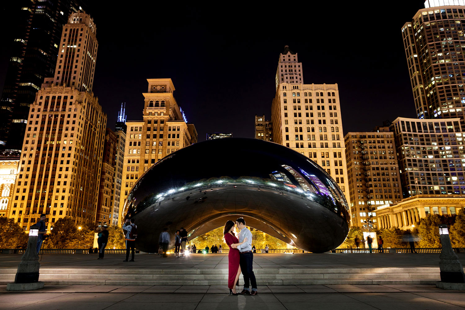 Engagement shoot in Chicago e-session millennium park the bean portrait