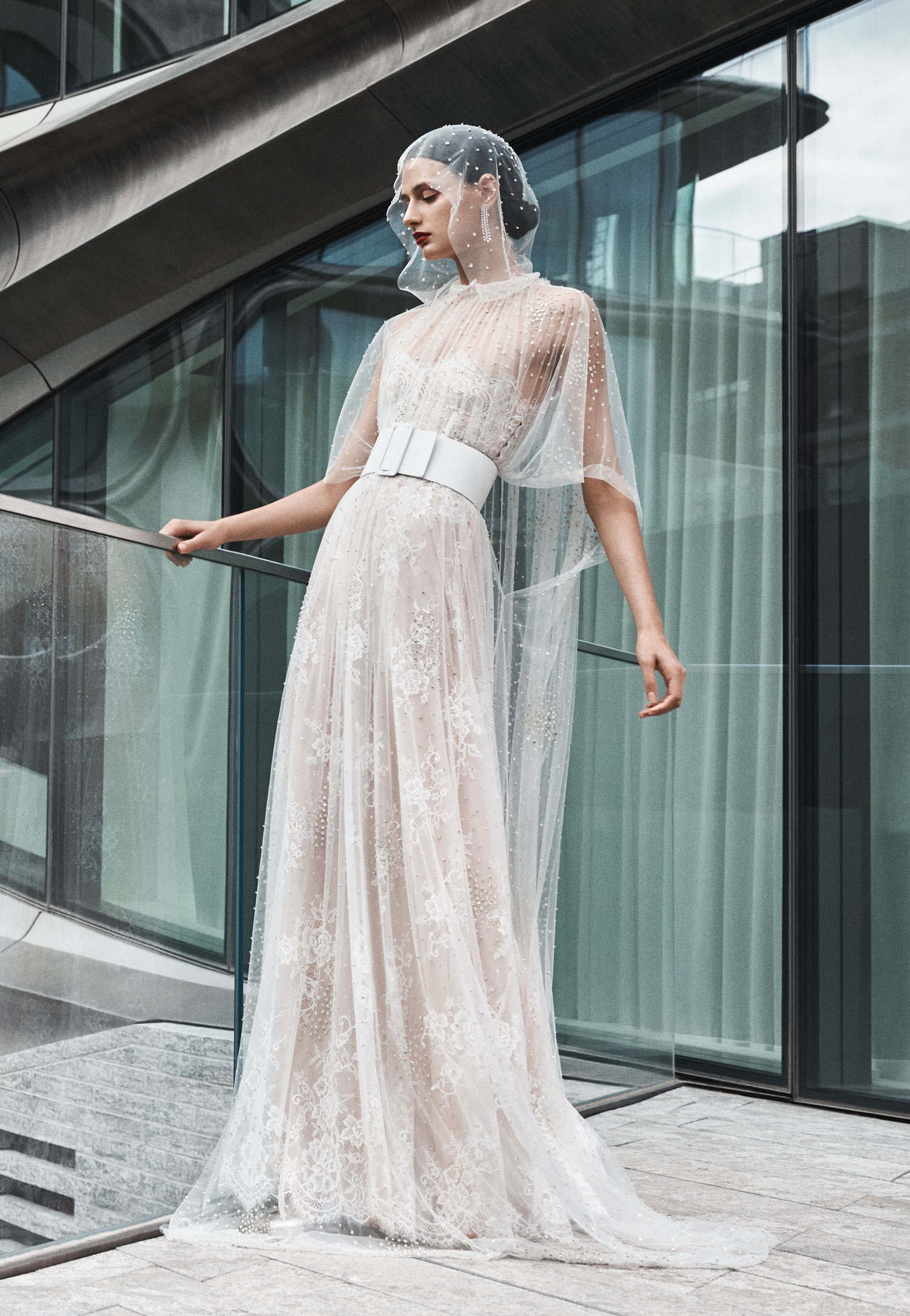 Halloween-inspired wedding dress with cape Naeem Khan fall 2019