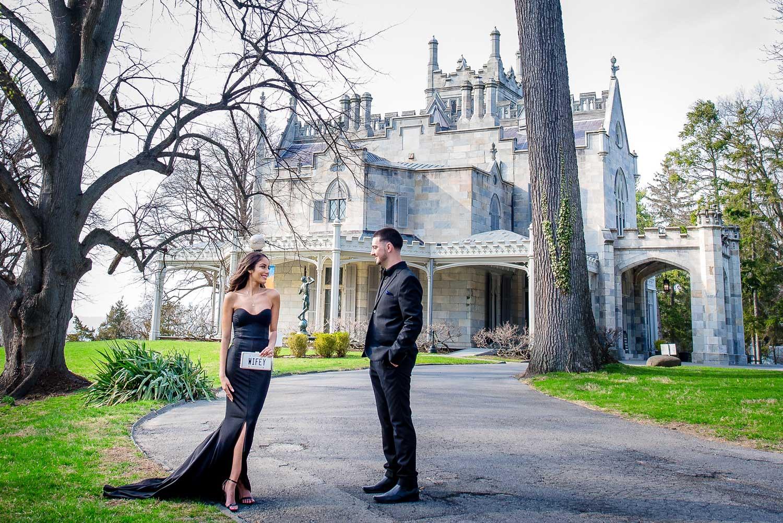 New York engagement photo shoot at lyndhurst mansion engagement photos