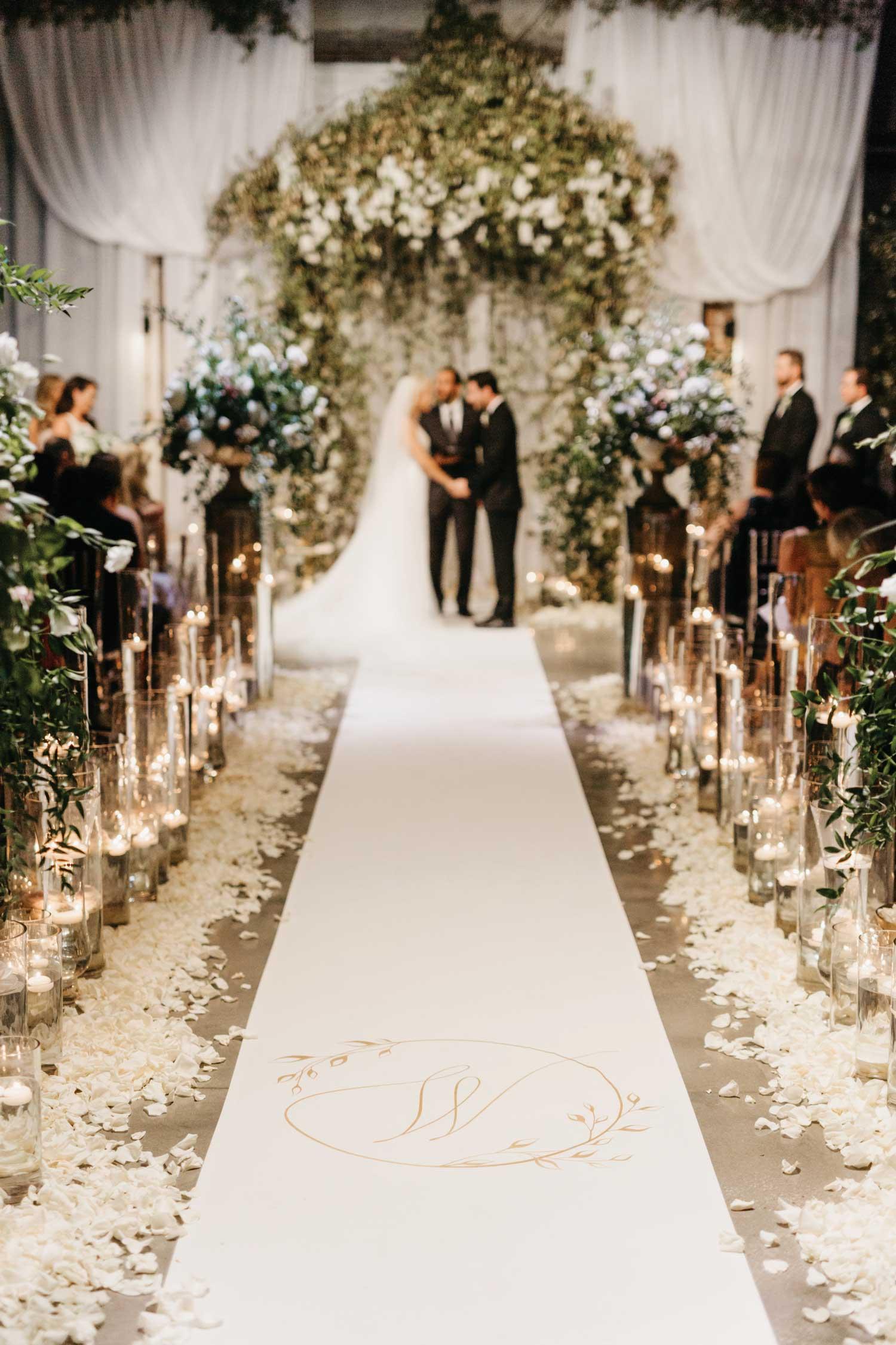 inside weddings winter 2019 issue preview the original runner company aisle runner savvy shields