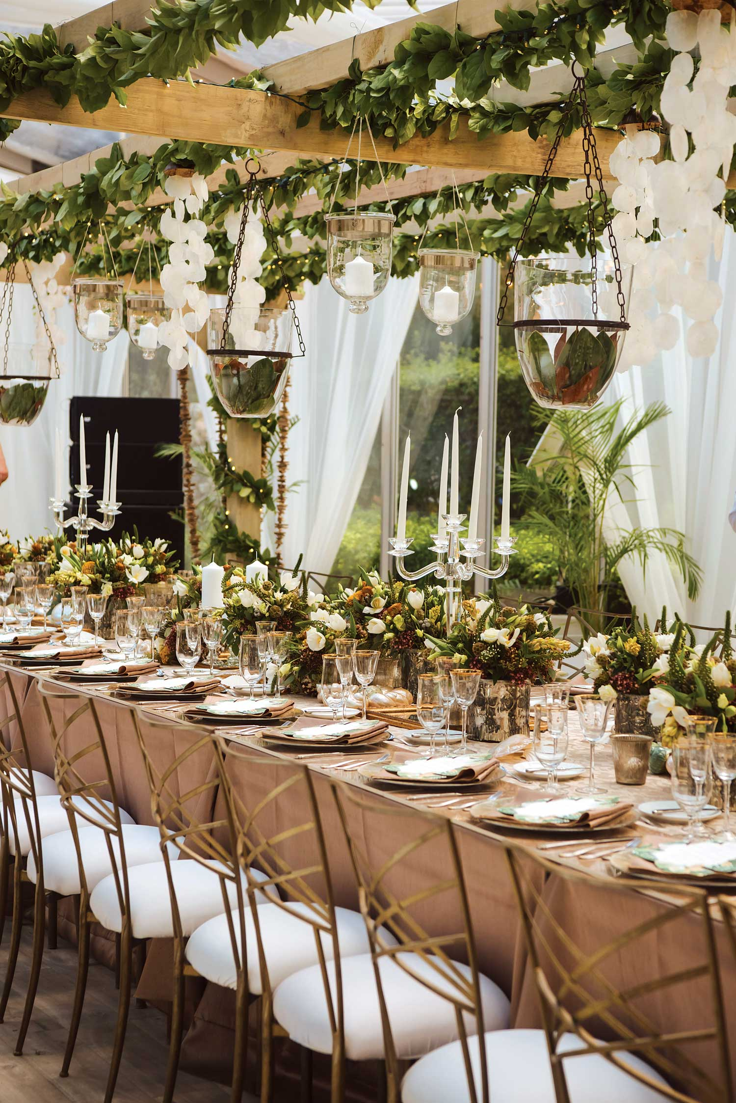 inside weddings winter 2019 issue preview tall centerpiece bahamas event