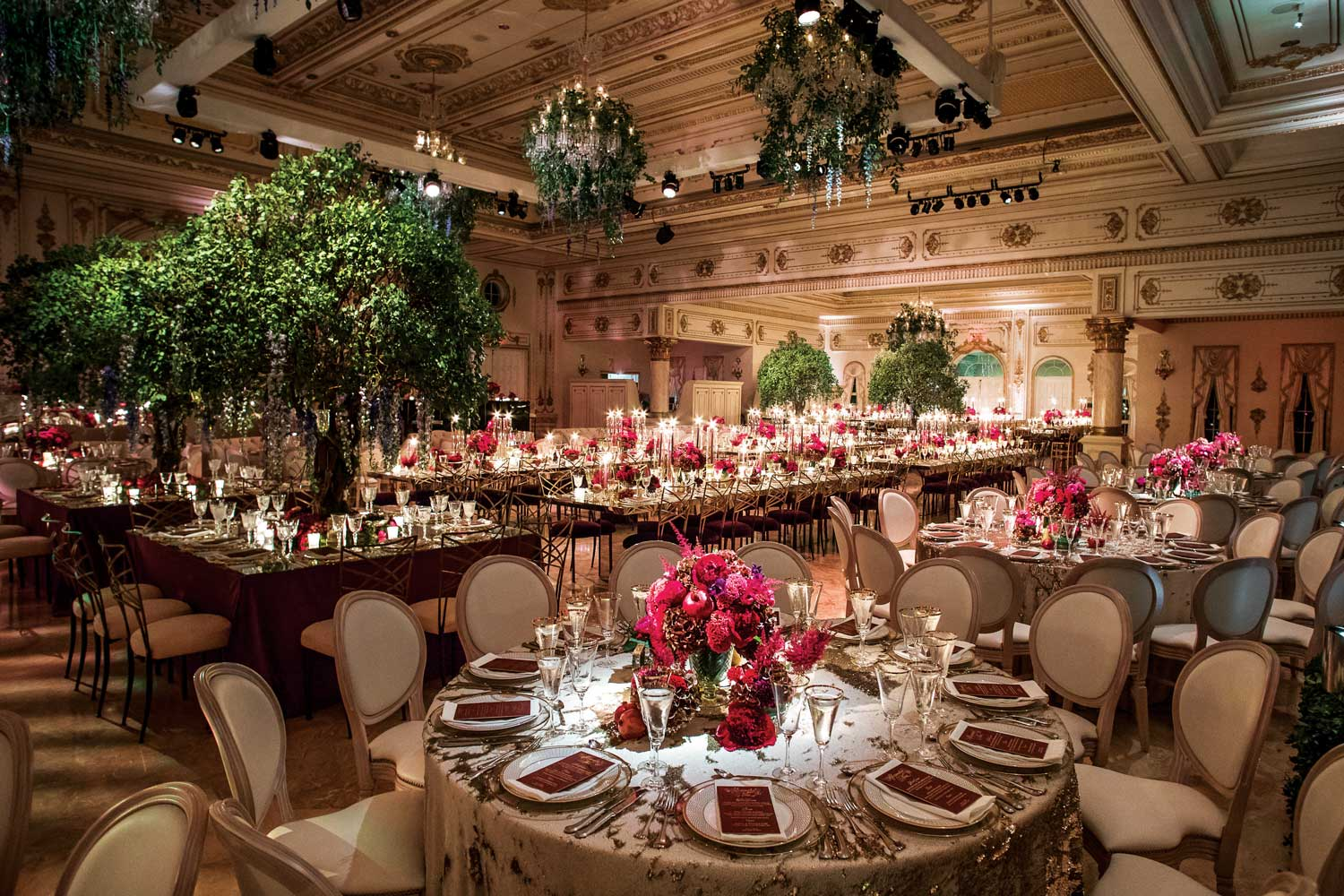 inside weddings winter 2019 issue preview ballroom wedding nature inspired greenery hot pink
