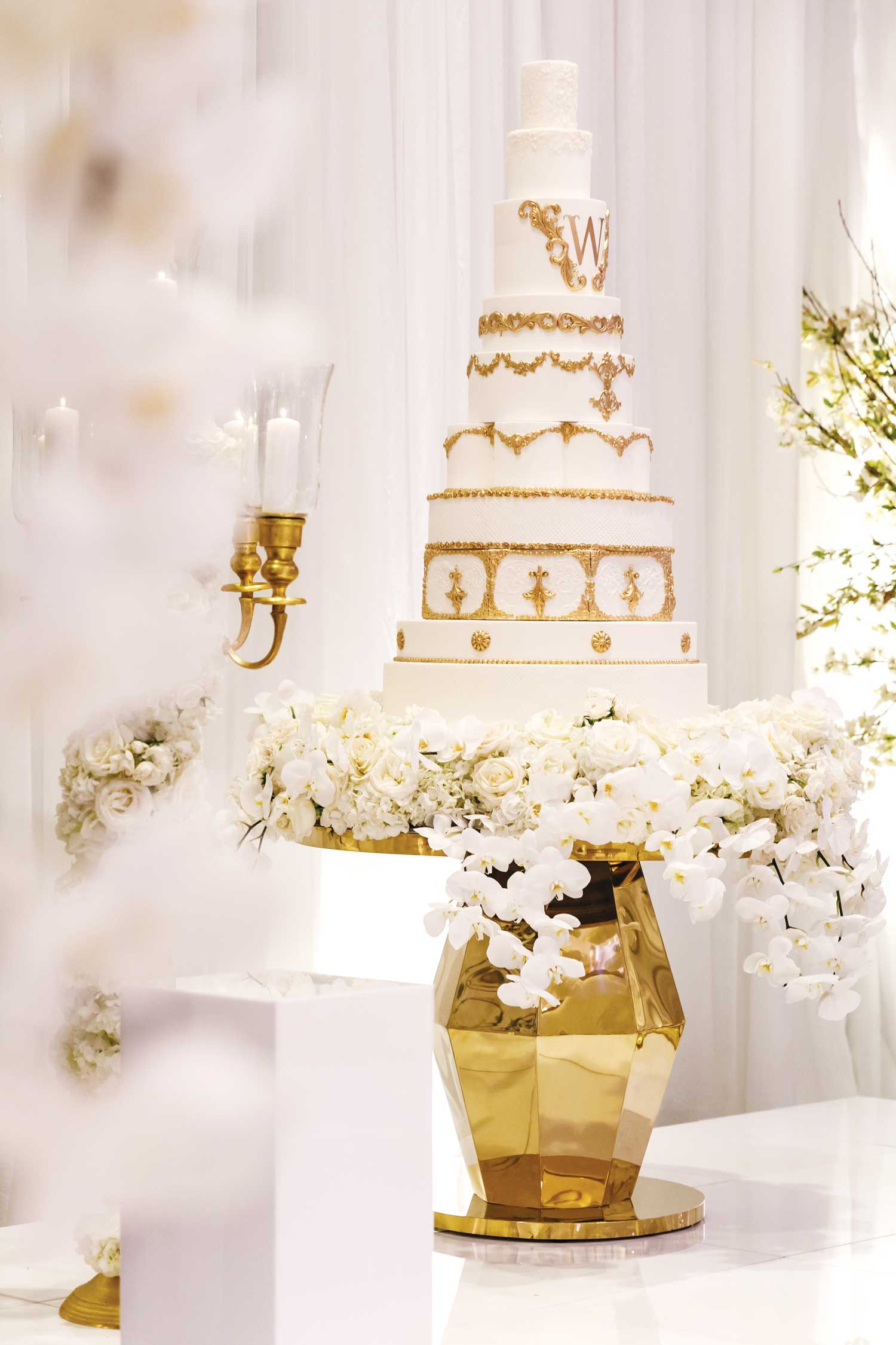 inside weddings winter 2019 issue preview white and gold wedding tahir whitehead oakland raiders