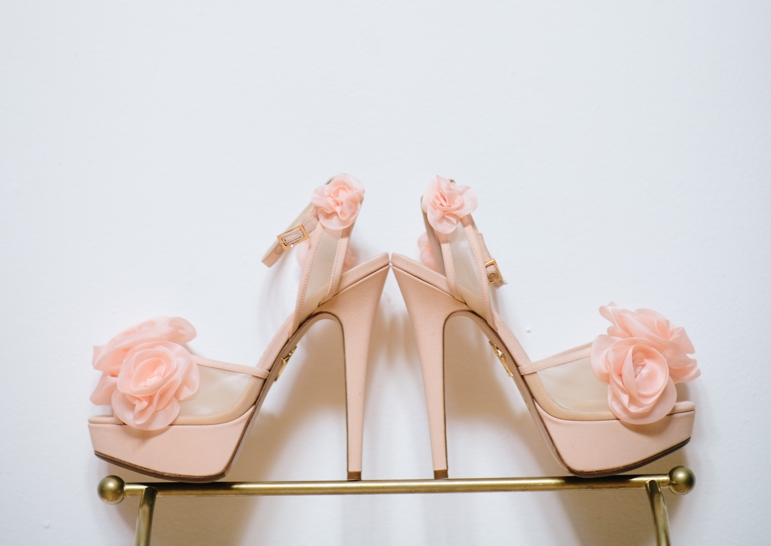 2019 pantone color of the year living coral wedding ideas bridal heels wedding shoes