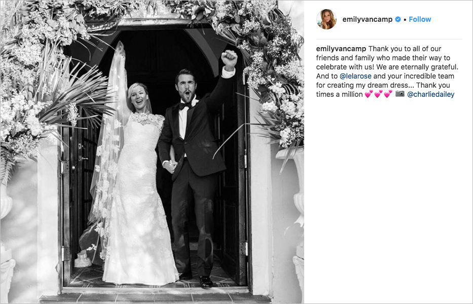 revenge costars emily vancamp & josh bowman wedding little pink church bahamas, best celebrity weddings of 2018