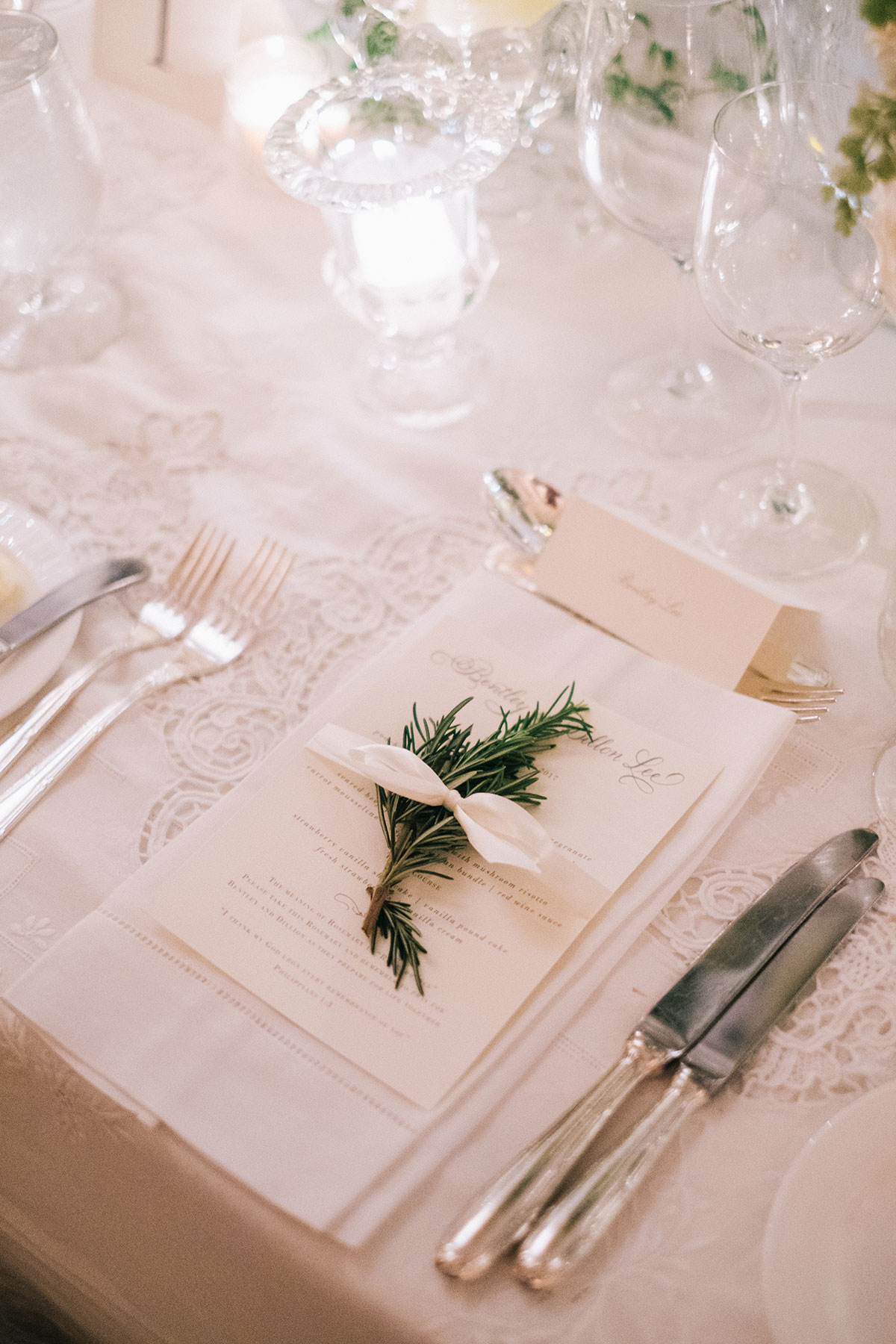 winter wedding ideas white color palette green herb sprig