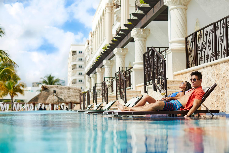 Hyatt Zilara Cancun Playa Resorts destination wedding honeymoon accommodations swim up suites