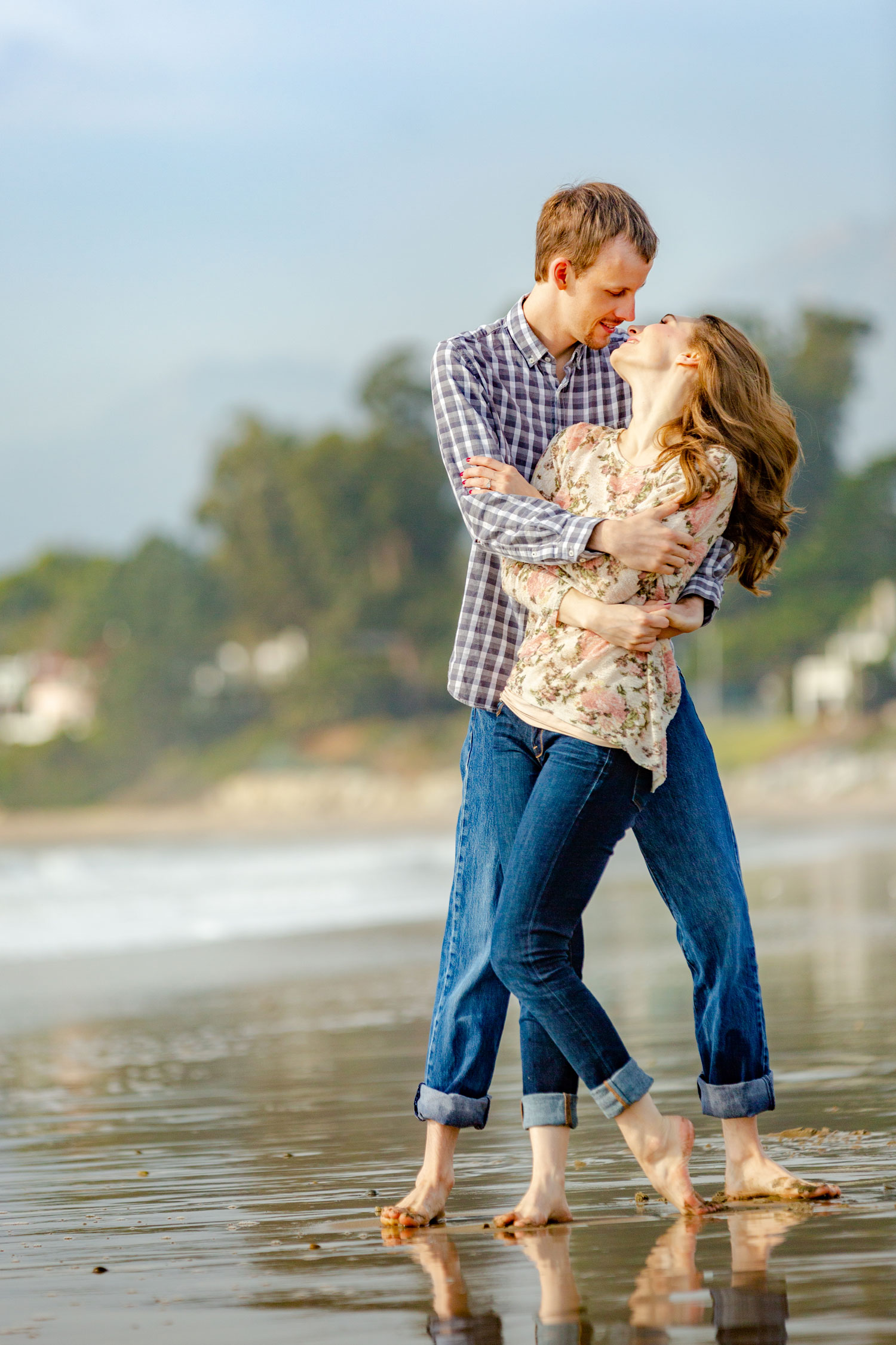 engagement shoot in carpinteria, engagement shoot on the beach