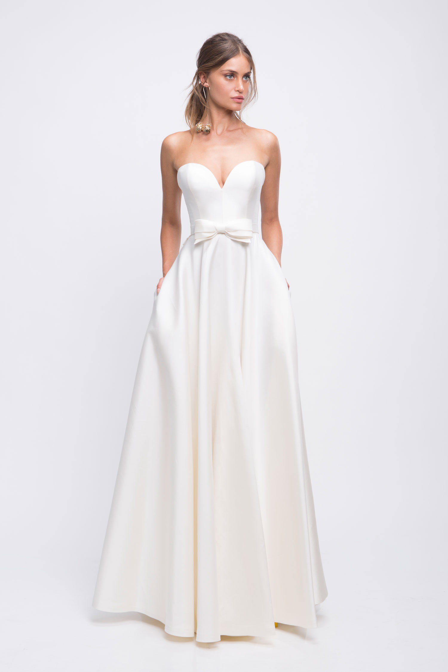 Lihi Hod strapless wedding dress with sweetheart neckline bow in front Audrey bridal gown