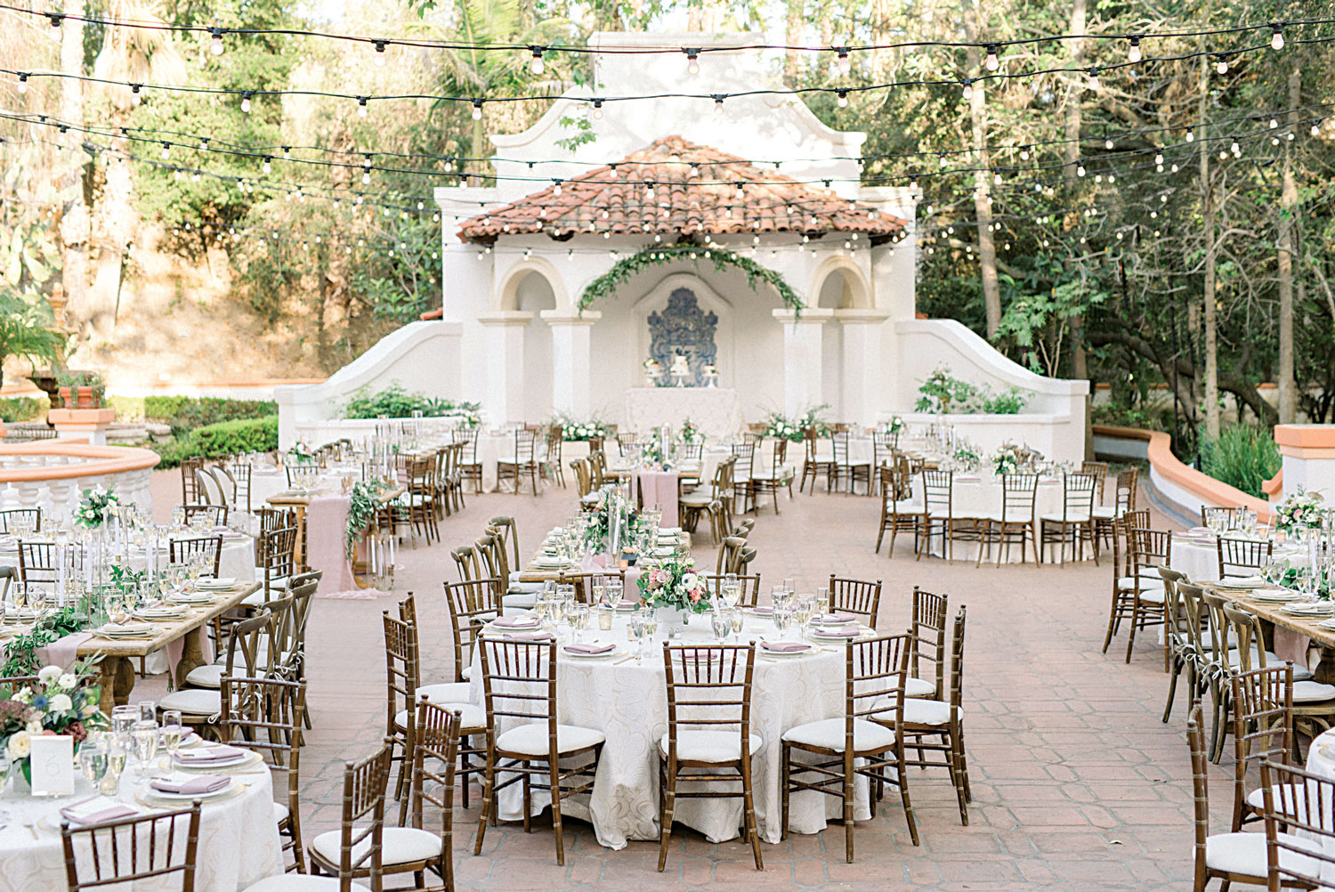 Inside Weddings magazine Spring 2019 issue rancho las lomas wedding reception courtyard fountain