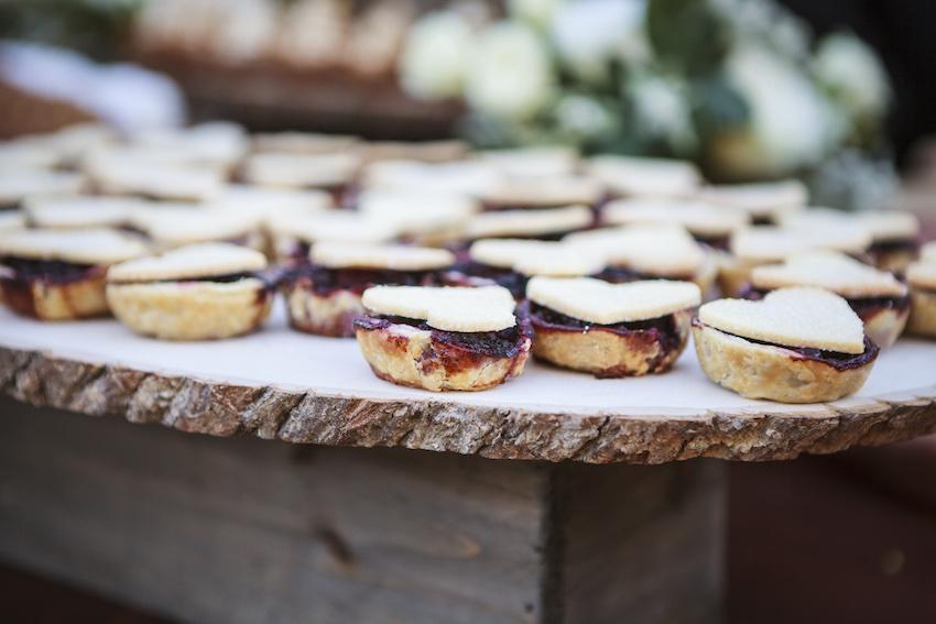 pi day, pie at wedding, alternative wedding desserts, mini pies