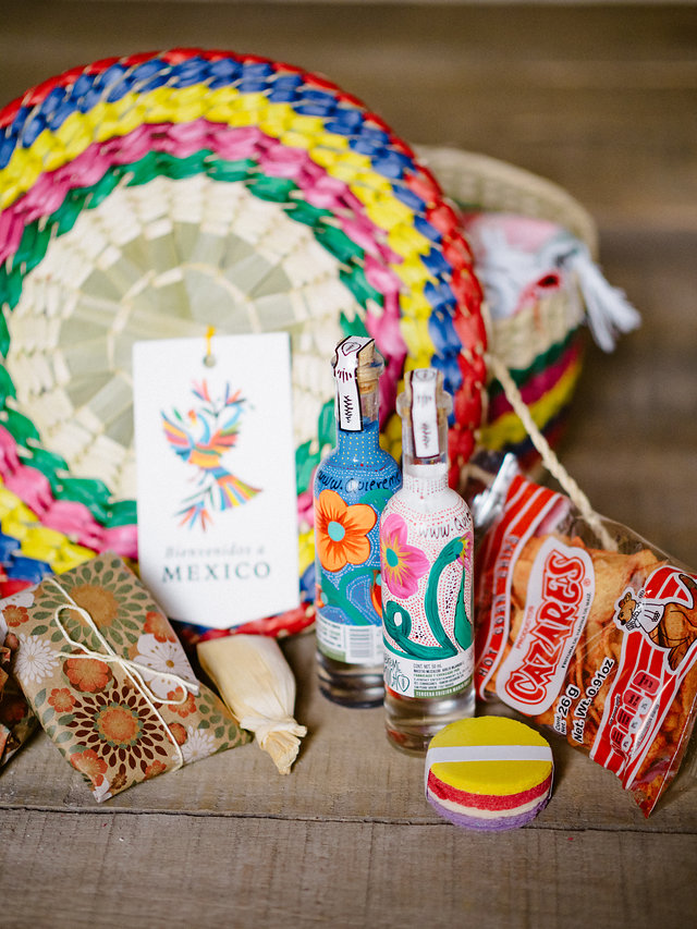 destination wedding expert advice and tips from beth helmstetter events welcome bag for mexico destination wedding