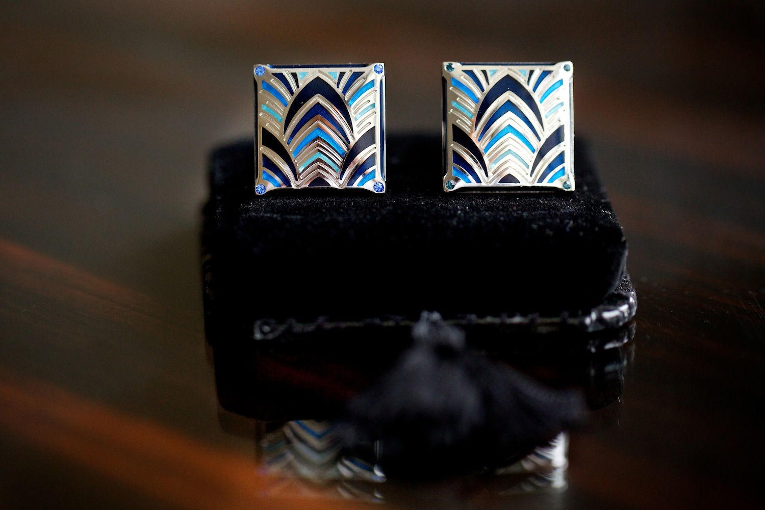 art deco style fan design cuff links blue gold gatsby wedding ideas