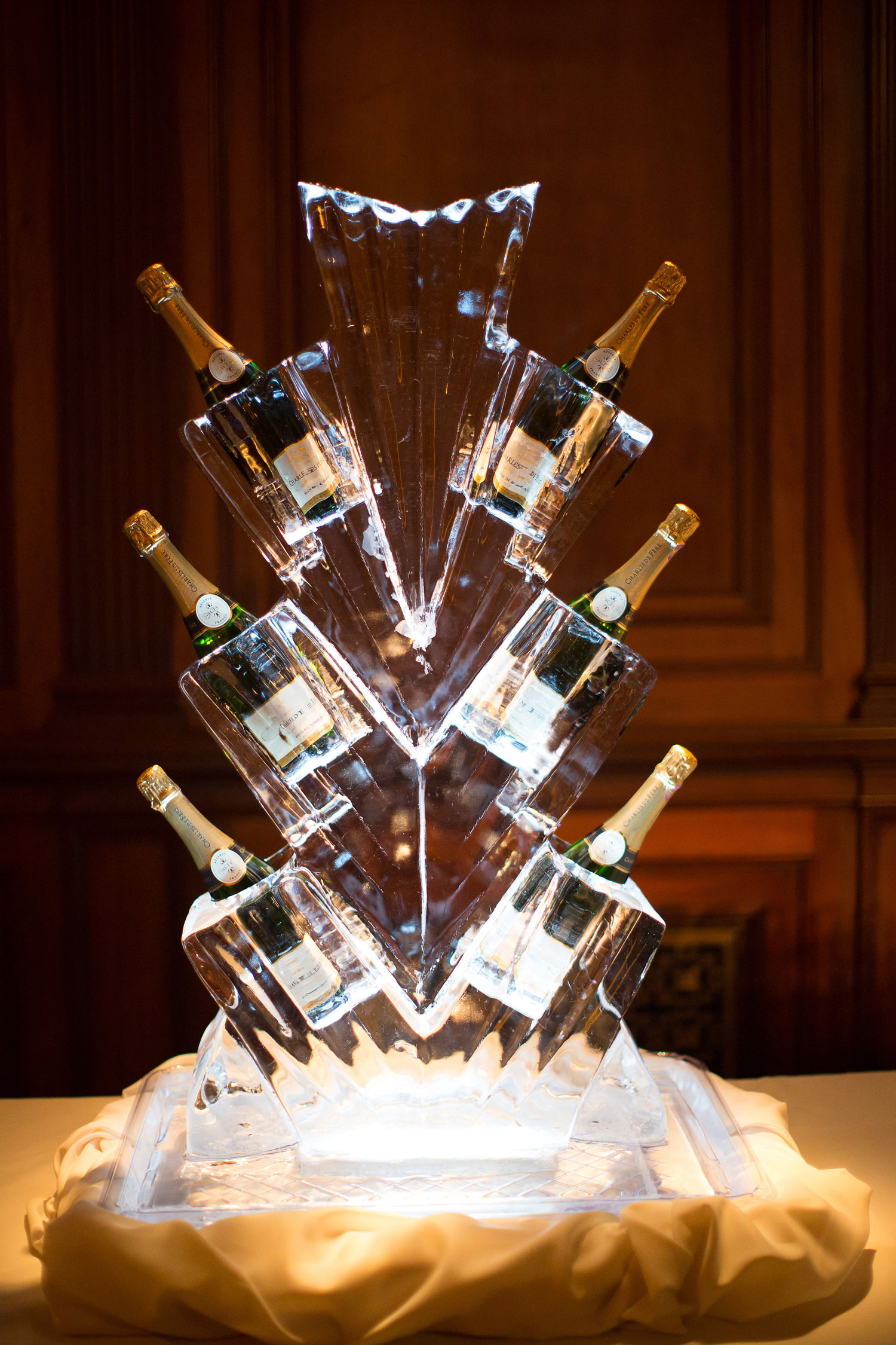 art deco ice sculpture for champagne gatsby wedding ideas