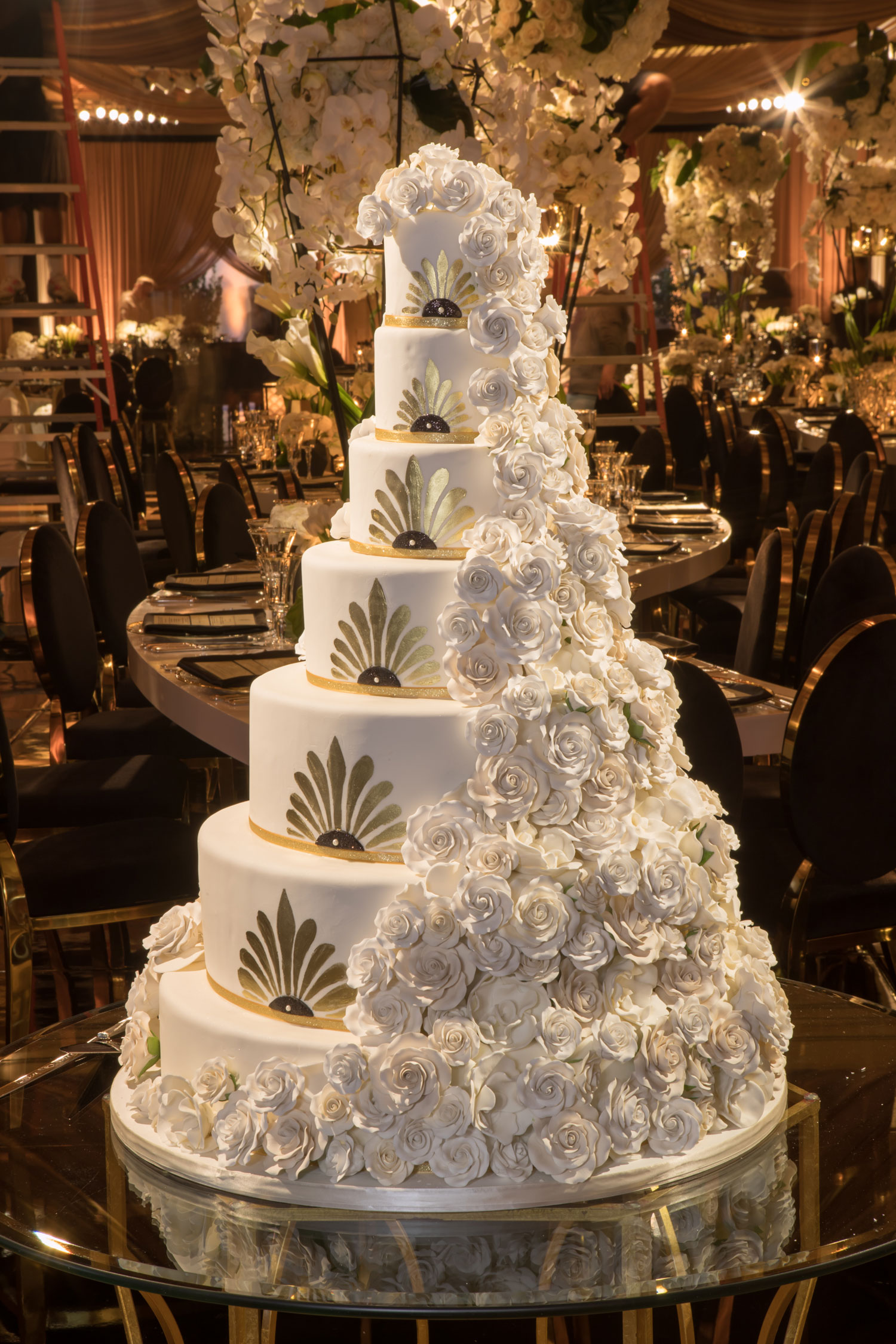 six layer wedding cake with hand painted art deco design gatsby wedding ideas