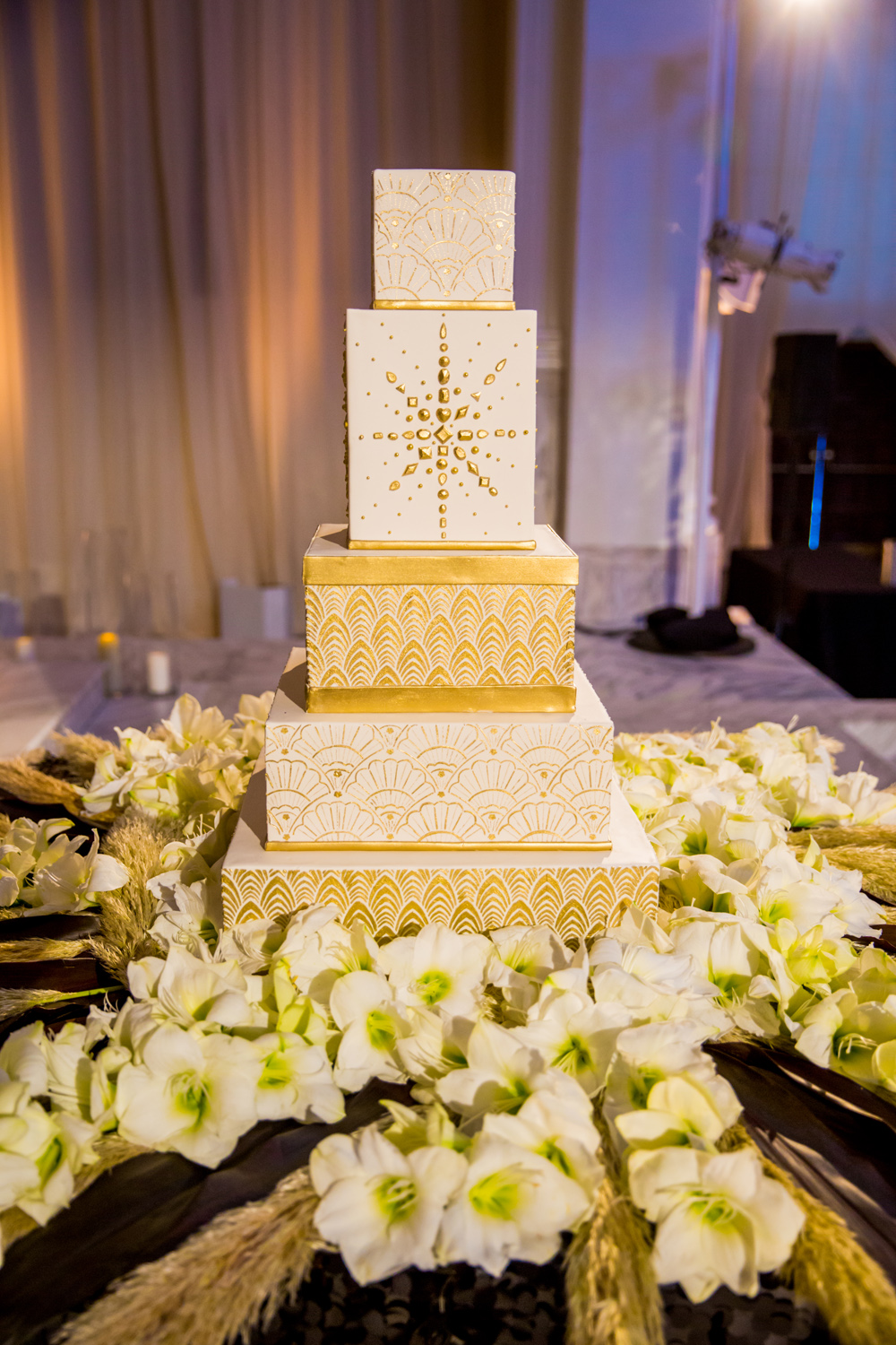 five layer wedding cake white and gold art deco details gatsby wedding ideas