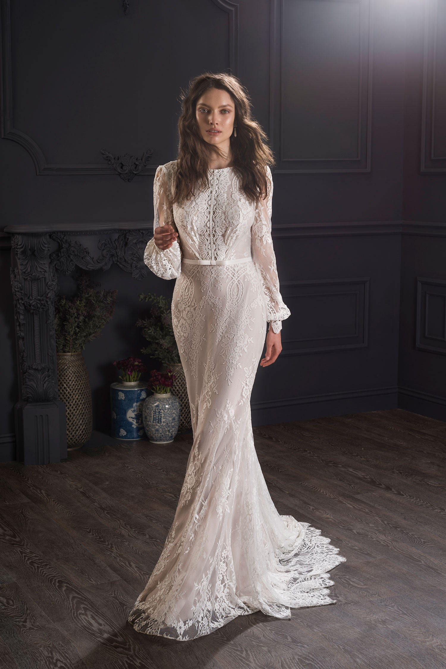 Lihi Hod lace long sleeve wedding dress with puffy sleeve statement sleeve Louise style