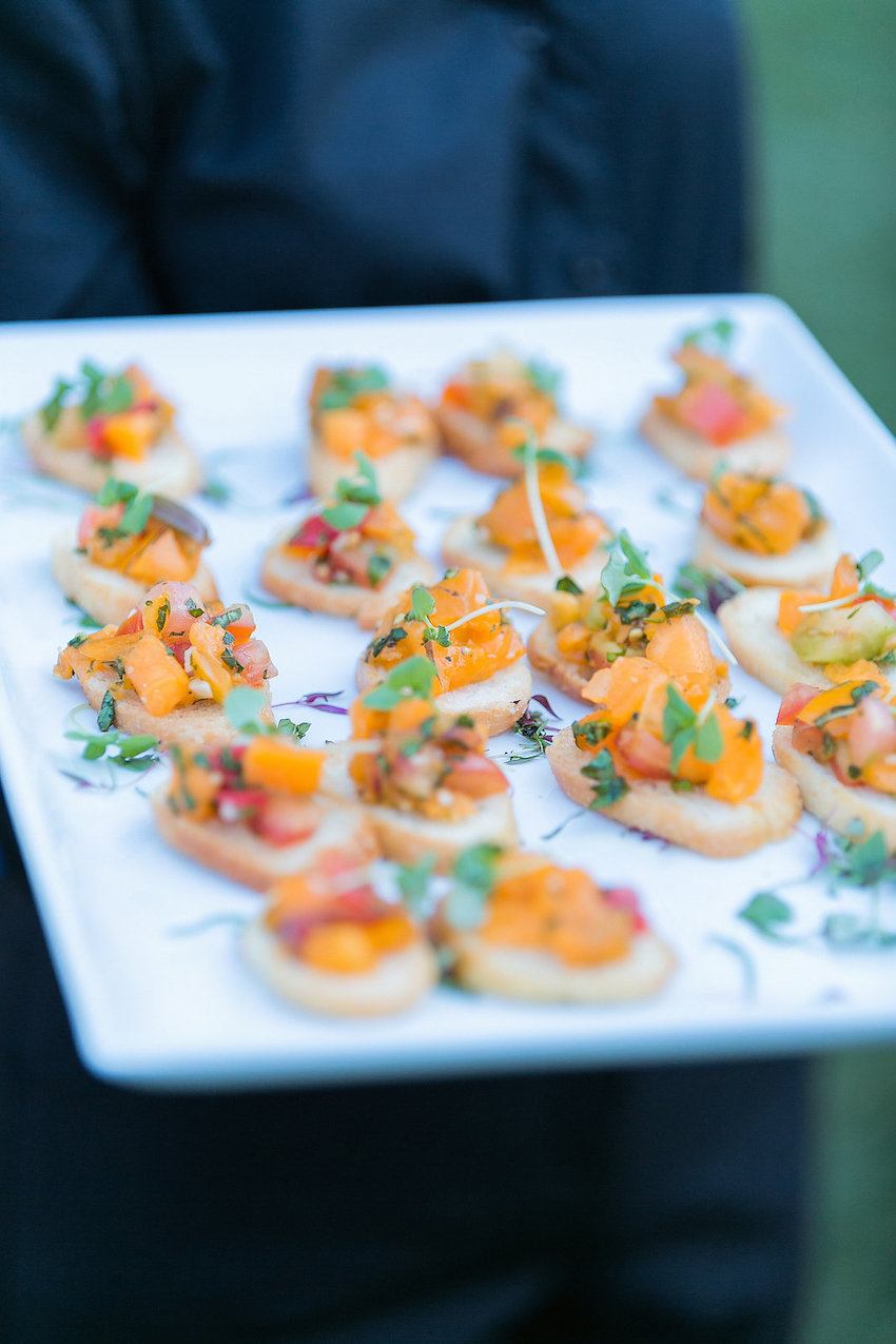 summer wedding ideas light hors d'oeuvres passed appetizer crostini