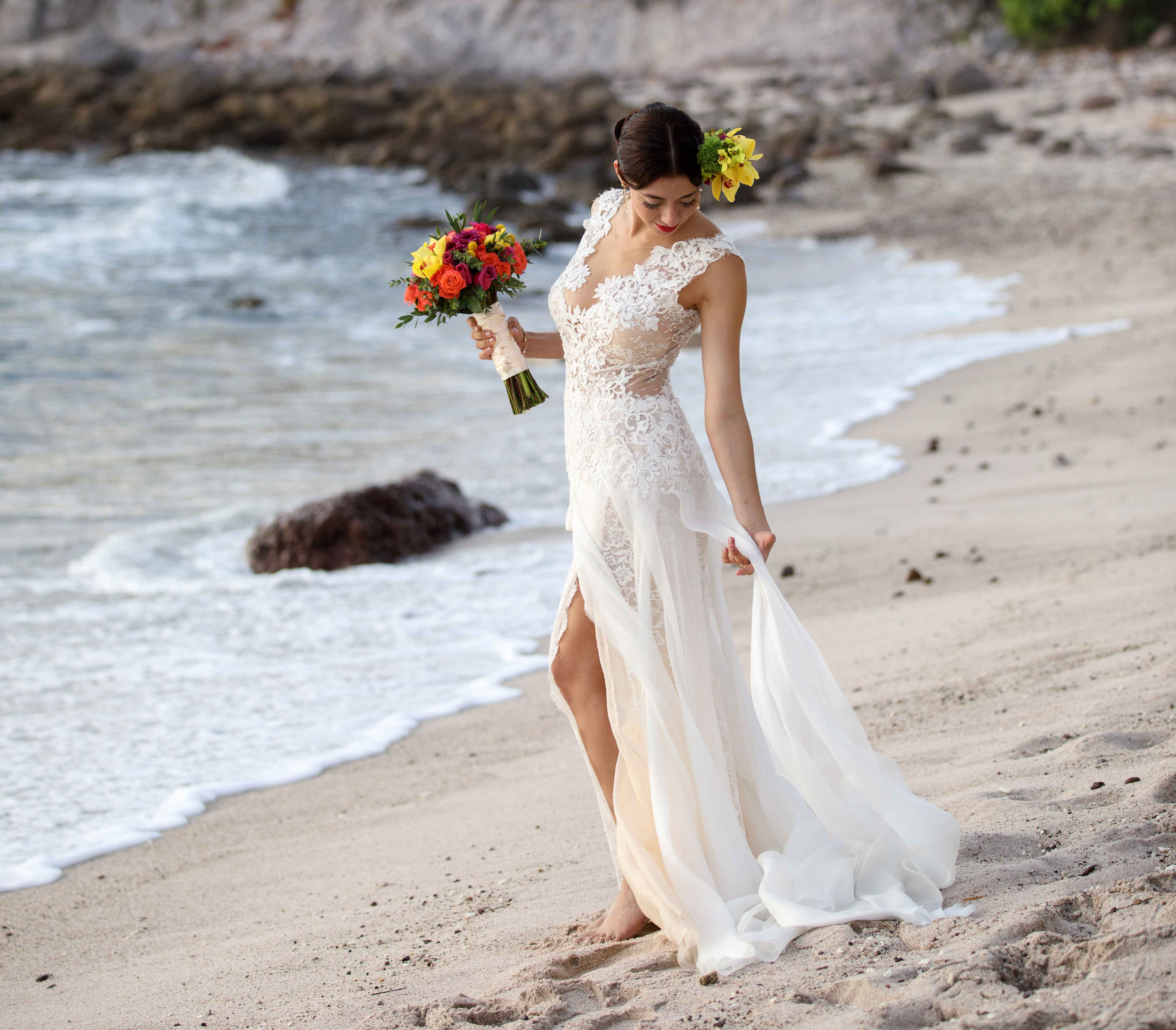 beach wedding dress tips, how to wear your wedding dress on the beach