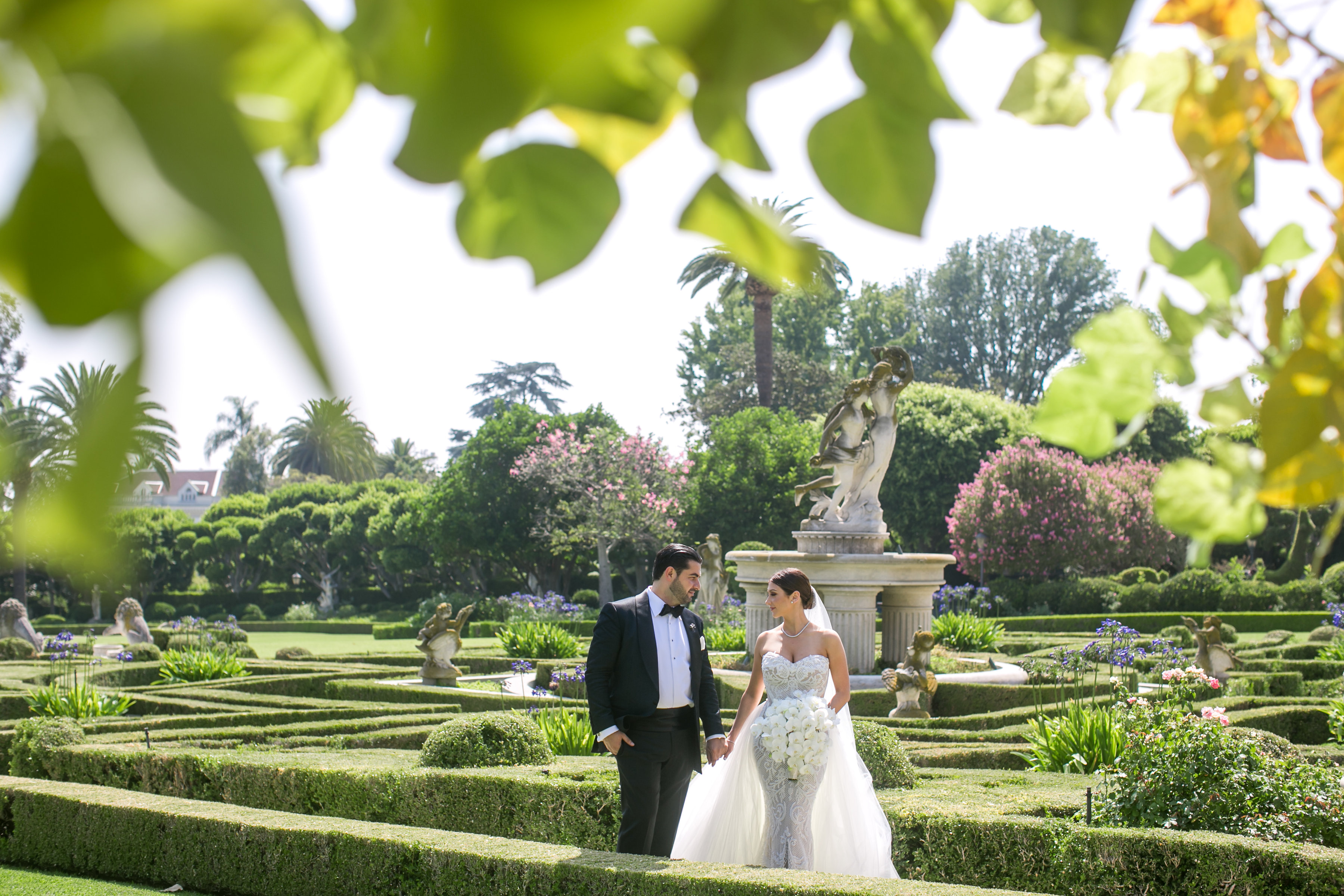 garden wedding ideas fancy luxury wedding portraits in garden venue setting