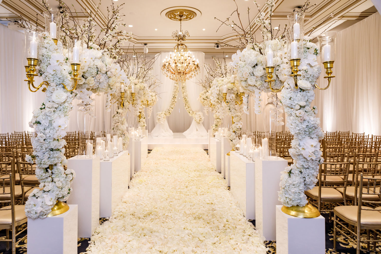what not to expect from your wedding planner, not your wedding planner responsibility