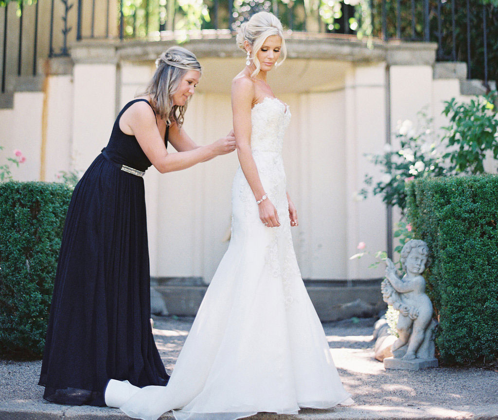 what to do when your bridesmaid gets dumped, how to help your bridesmaid through a breakup