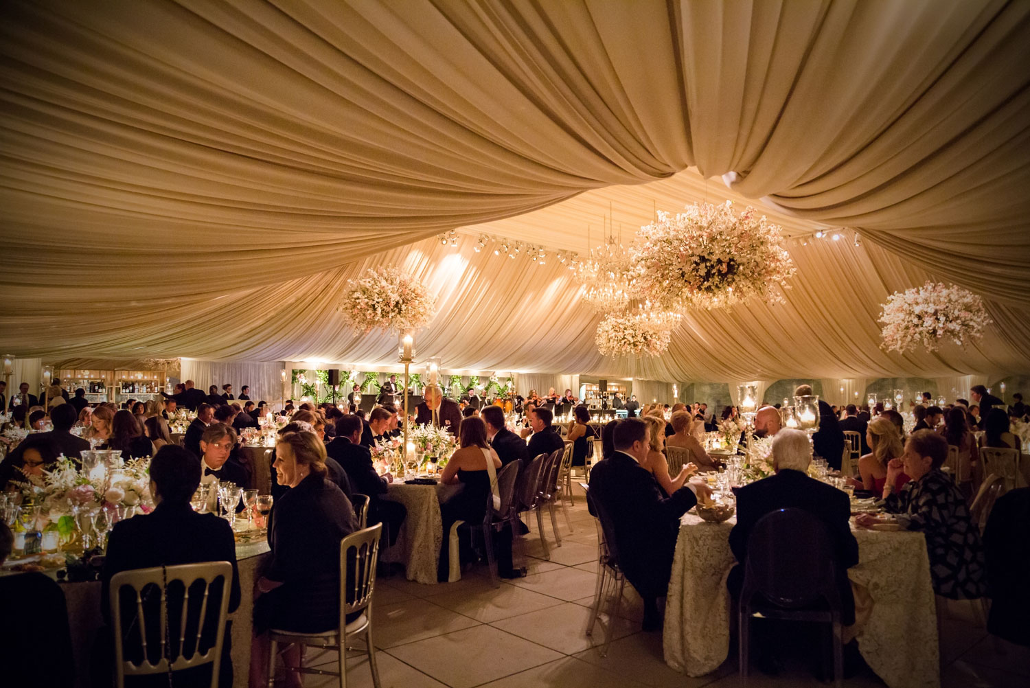 wedding entertainment ideas besides dancing, reception ideas for wedding with no dancing