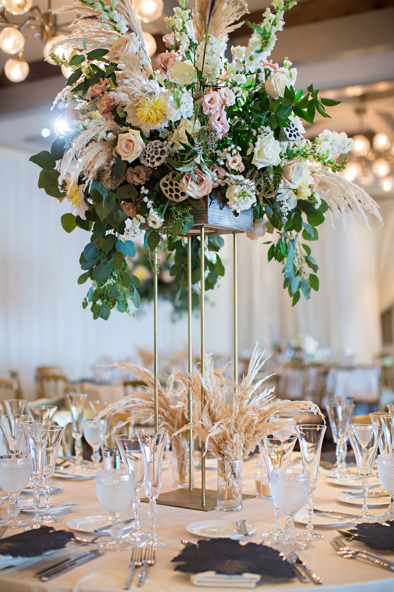 wedding reception decorations pampas grass dried foliage new wedding trend