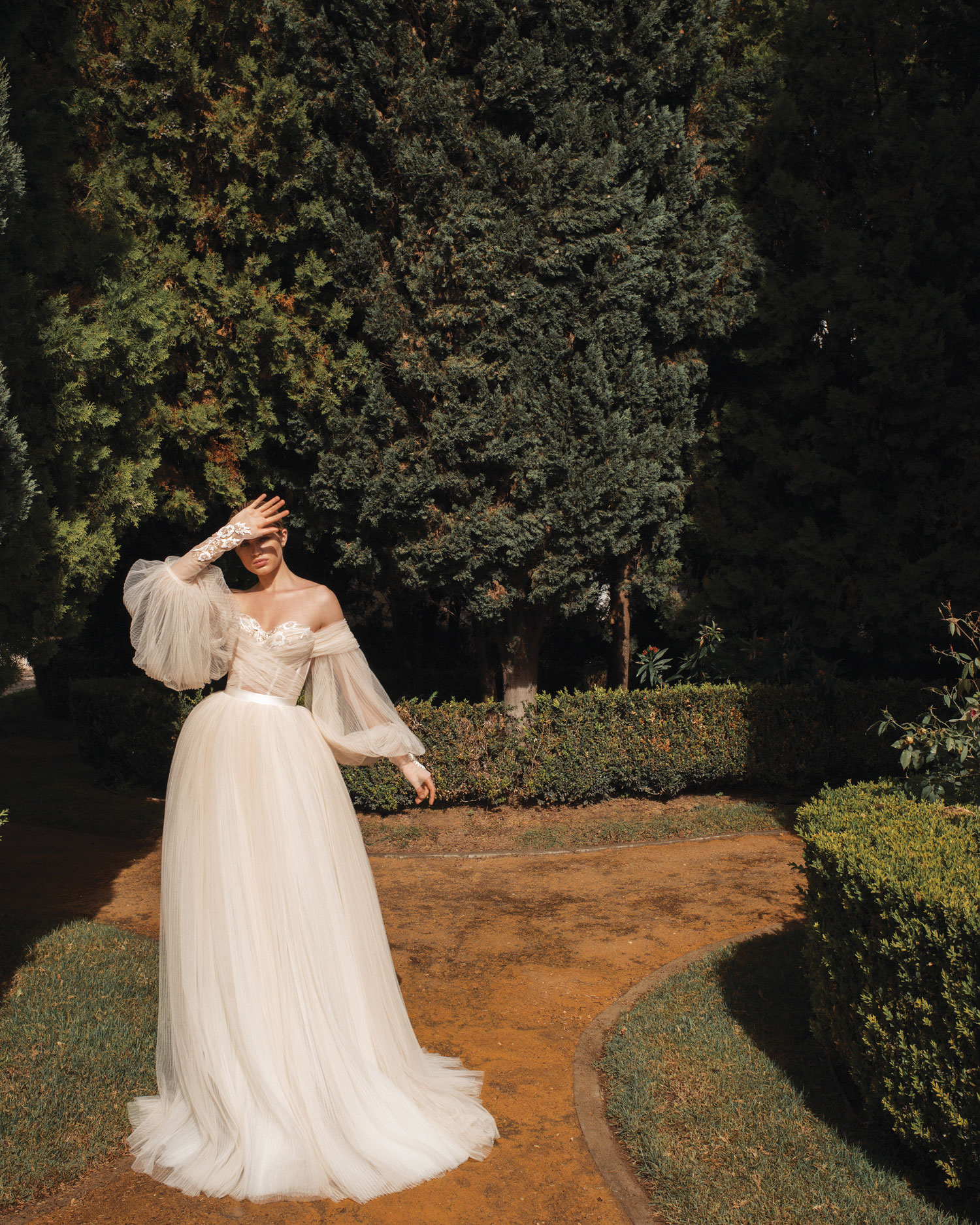 Galia Lahav wedding dress with puffy sleeves wedding fashion trend