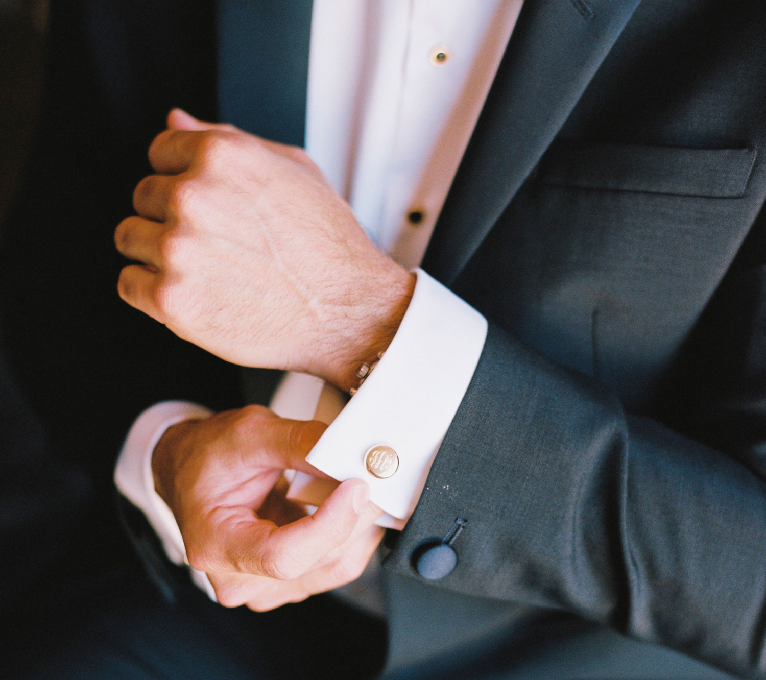 what grooms should do while getting ready in the morning