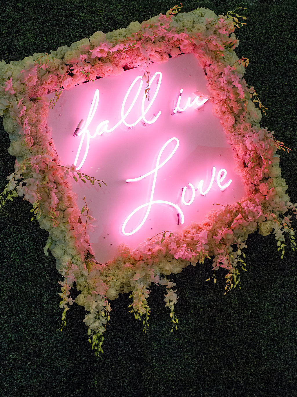 neon sign wedding ideas pink neon signage fall in love white flowers