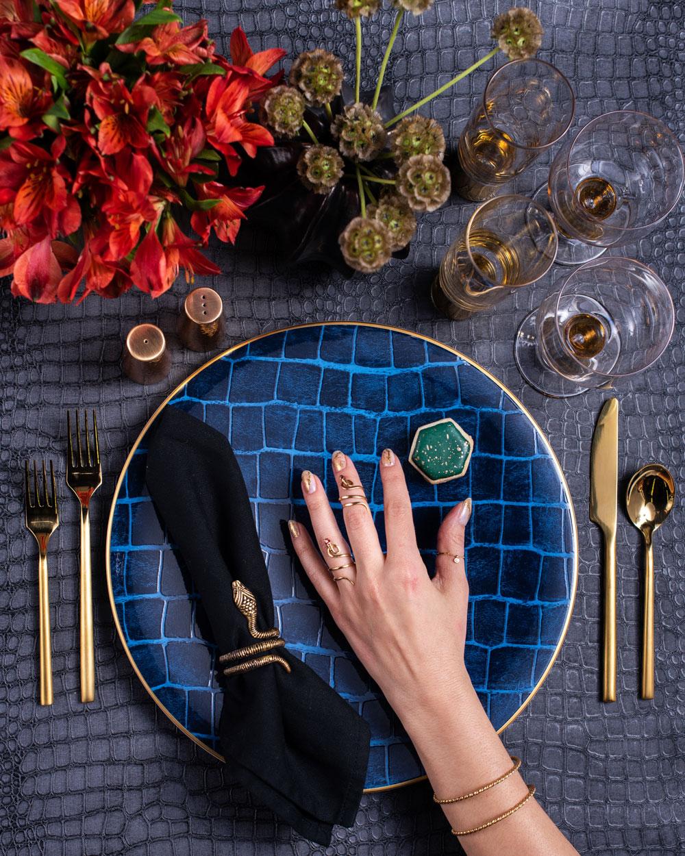 maison de carine blue gold place setting luxury wedding ideas carine krawiec