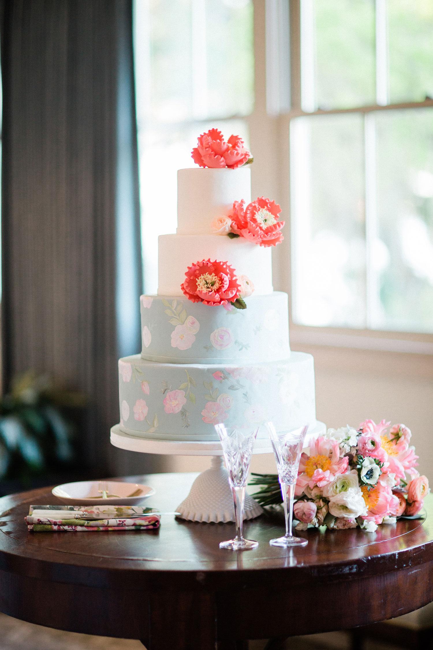 flower print wedding cake pastel design floral print wedding ideas