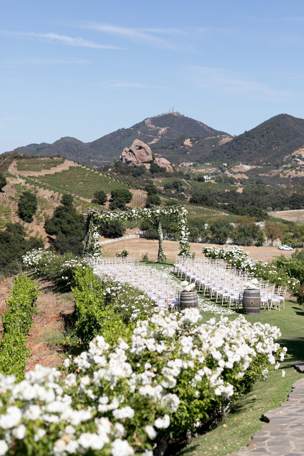 outdoor wedding ceremony in the santa monica mountains canyon views