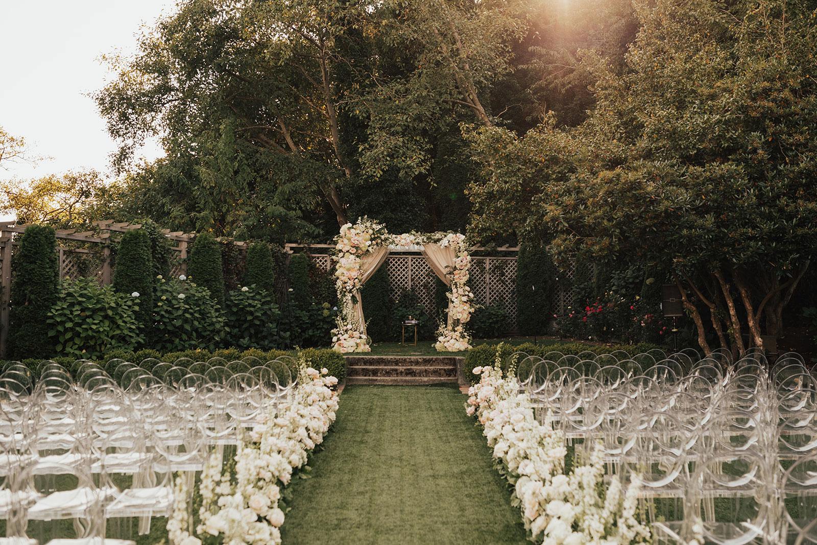 outdoor wedding ceremony in seattle pretty garden backyard setting