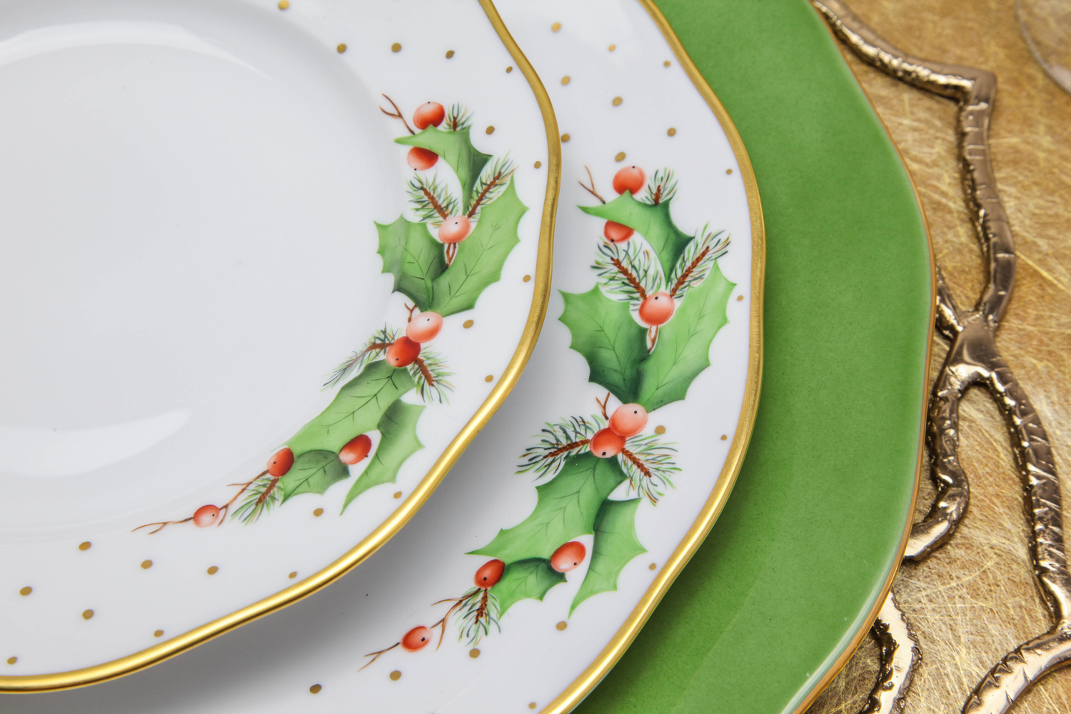 winter shimmer by herend dinnerware christmas holiday china holly gold rim